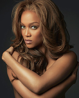 Models Direct: Tyra Banks is always looking confident and relaxed in photos